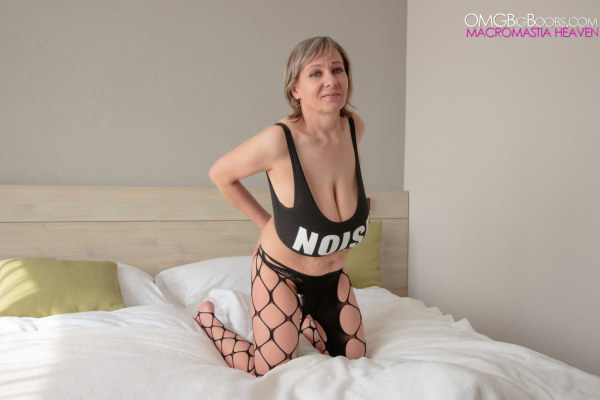 Omg Huge Tits 24