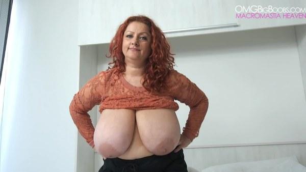 Jiggling big tits