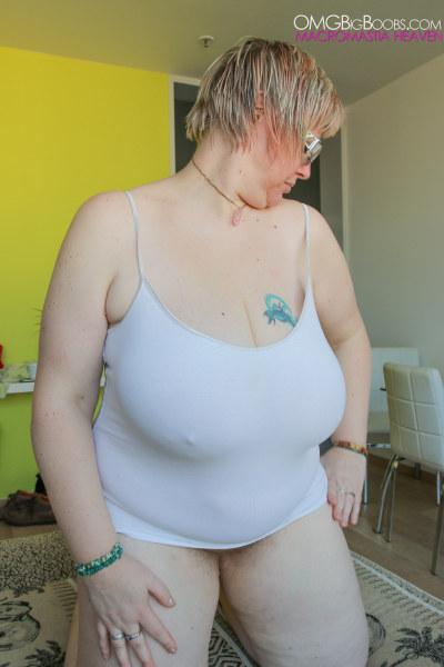 Big bazooka boobs milf