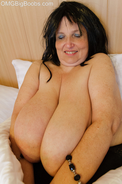 Fat girlfriend with huge tits