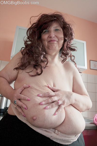 Mom has a huge pussy